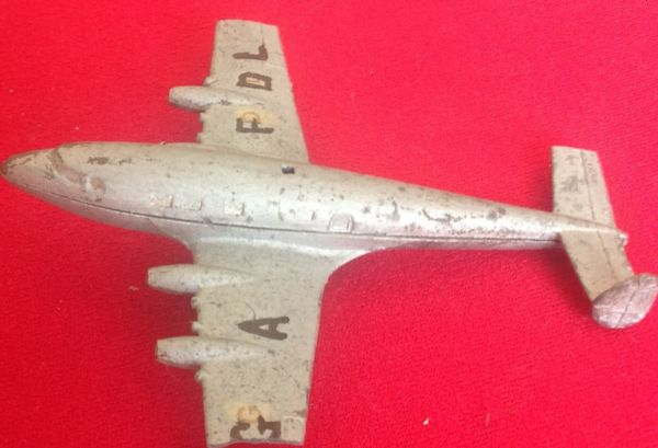 "Dinky Toys 62w ( 68b ) - Original - Imperial Airways "" FROBISHER "" Class Liner Overpainted and broken fuselage for spares or repair"